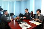 Bắt đầu giao lưu trực tuyến với Đại sứ Mỹ