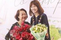 4 năm cưới Trấn Thành, Hari Won vẫn đối xử khác biệt với mẹ ruột và mẹ chồng