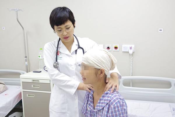 Người phụ nữ mắc ung thư suy kiệt nặng vì ăn rau xanh trừ bữa