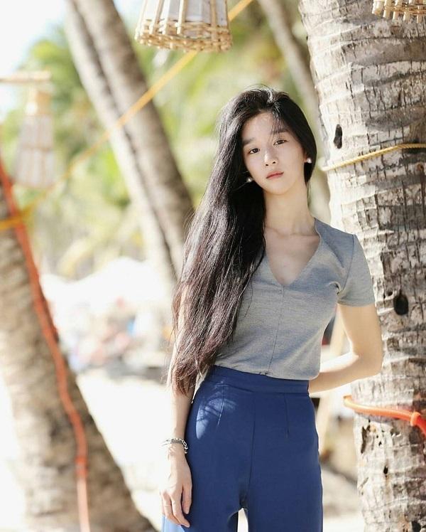 Seo Ye Ji vòng eo 'siêu thực' nhưng từ chối mặc bikini