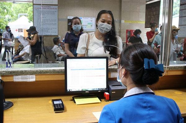 HCM City hospitals,cashless payment,promoting e-payment for public services