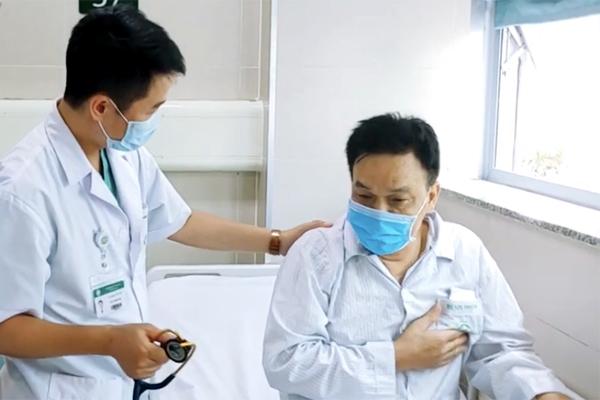 2 bệnh viện hợp sức cứu người đàn ông 'đã chết'