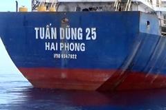 Cảnh sát biển tạm giữ 2 tàu chở than và quặng trái phép