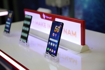 Ra mắt smartphone 5G đầu tiên của Việt Nam