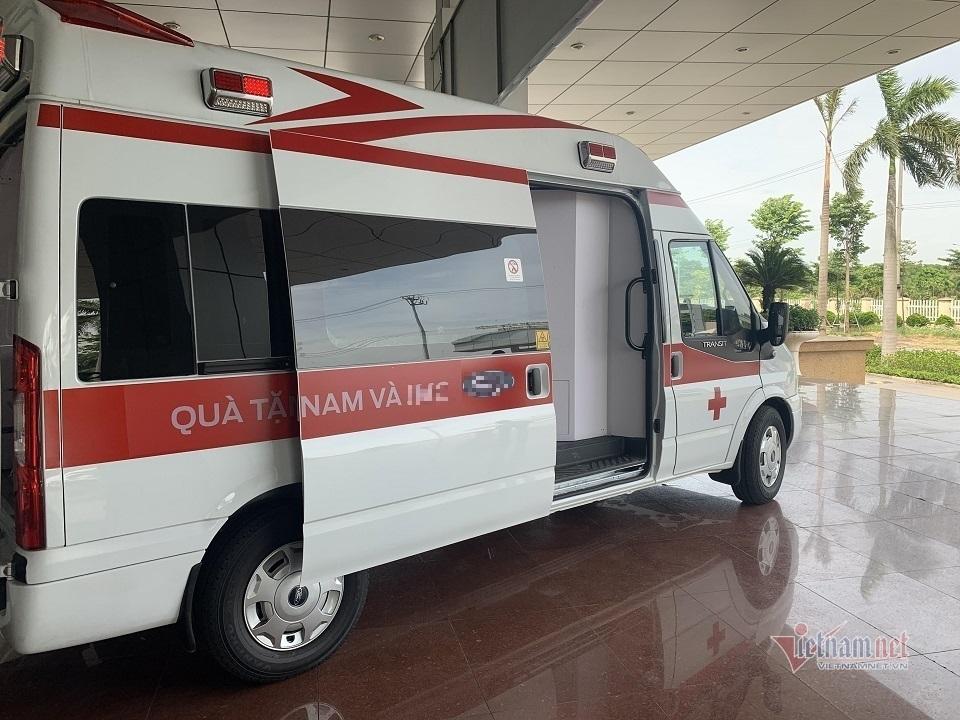 Xe cấp cứu áp lực âm đầu tiên tại Việt Nam hỗ trợ chống Covid-19