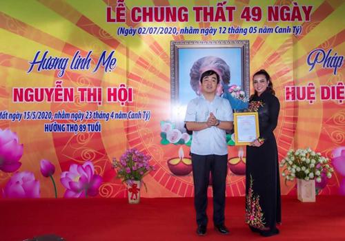 Đệ nhất Hoa hậu quý bà thế giới Tiến Sỹ Đoàn Thị Kim Hồng làm từ thiện