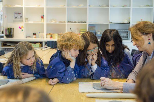 Nhà giàu Mỹ chi tiền tỷ giữ chỗ học tại trường điểm cho con