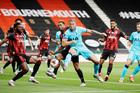 Bournemouth 0-0 Tottenham: Mourinho tức giận (H1)