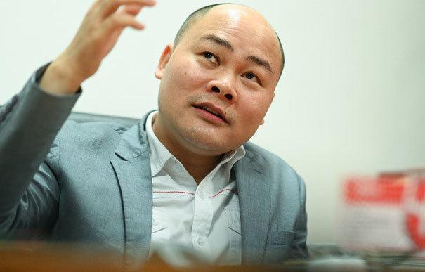 'Cái giá' phải trả cho đam mê của bầu Đức và Nguyễn Tử Quảng