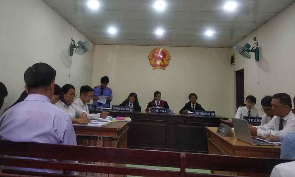 Bà chủ tổ hợp ăn chơi Gia Trang quán - Tràm Chim thua kiện chủ tịch huyện