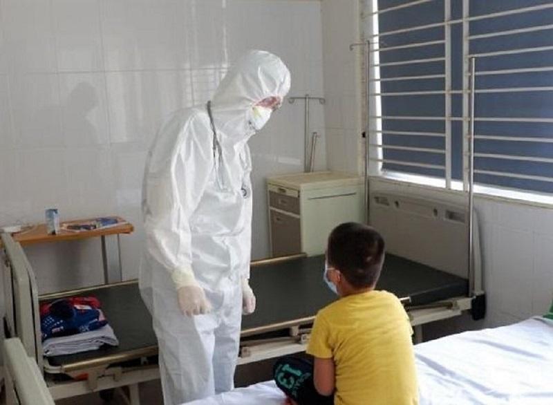 Bệnh nhi trong gia đình có 4 người mắc Covid-19 ở Hà Nội khỏi bệnh