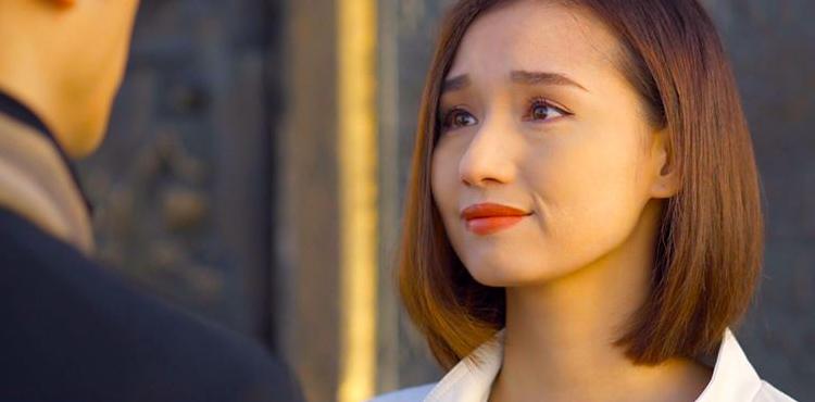 Lã Thanh Huyền: Nhan Phúc Vinh lập dị, nóng phát điên vẫn mặc cổ lọ