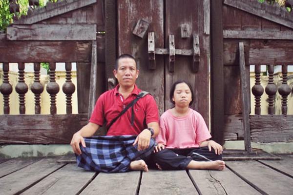 Ông bố Hà Nội đưa con gái 'đi bụi' dọc đất nước Myanmar để trưởng thành