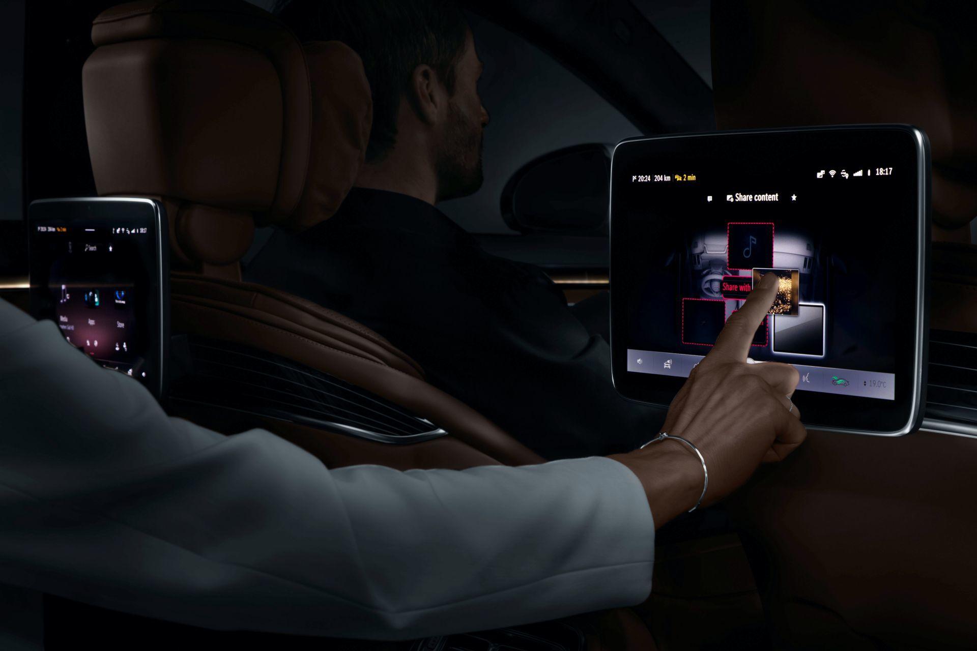 Tính năng cảnh báo mất tập trung trên Mercedes-Benz S-Class 2021