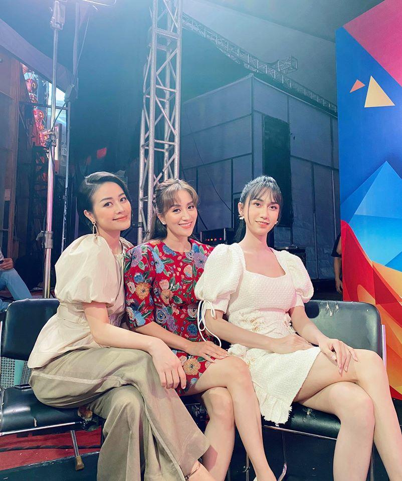 Lynk Lee đọ sắc xinh đẹp cùng Khánh Thi, MC Phí Linh