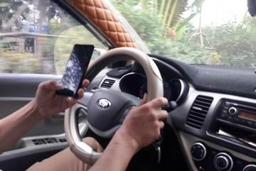 Thói quen xấu của nhiều tài xế Việt khi lái xe