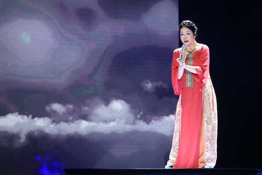 Tùng Dương, Mỹ Linh nghẹn ngào đêm nhạc Phó Đức Phương
