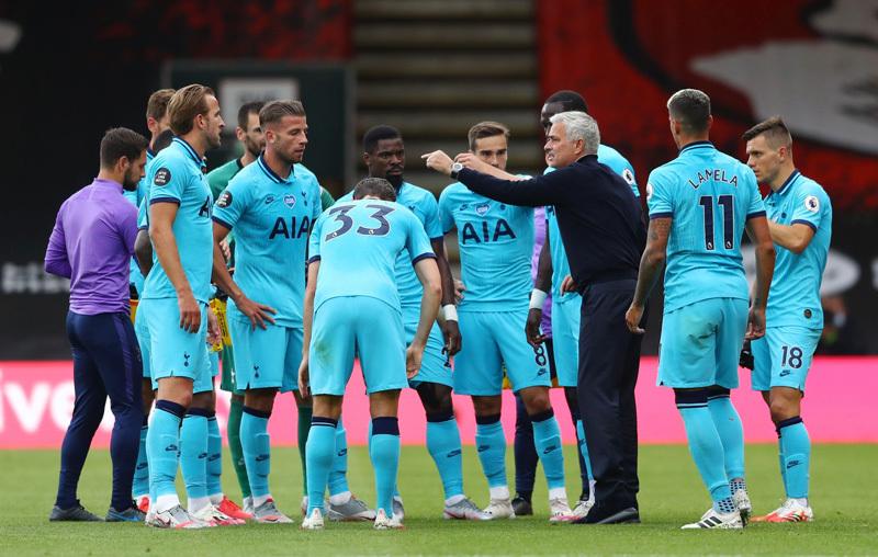 Tottenham vs Arsenal: Mourinho bấn loạn, cờ đến tay Pháo thủ