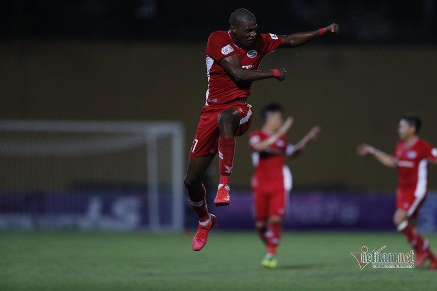 Vòng 9 V-League: Công Phượng, Bùi Tiến Dũng cùng tỏa sáng