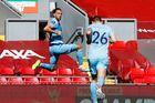 Liverpool 1-1 Burnley: Bàn gỡ tuyệt đẹp (H2)