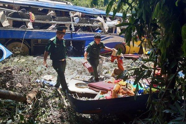 Tai nạn xe khách 5 người chết, phụ xe dương tính với ma túy