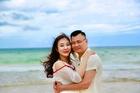 NSND Tự Long hạnh phúc bên vợ giáo viên trẻ đẹp