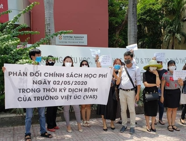 HCM City official calls for solutions to school-parents conflicts
