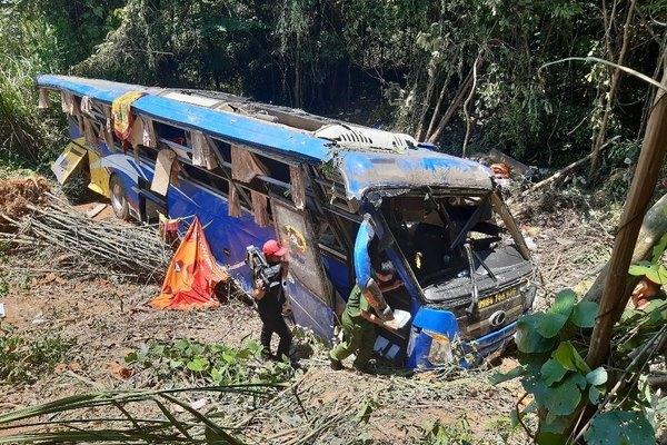 Xe khách lao xuống vực ở Kon Tum, nạn nhân thứ sáu tử vong