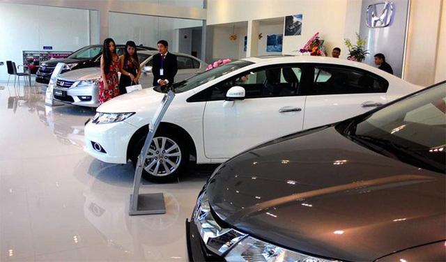 Quyết đấu với ô tô nội, xe nhập khẩu tung đủ chiêu ưu đãi