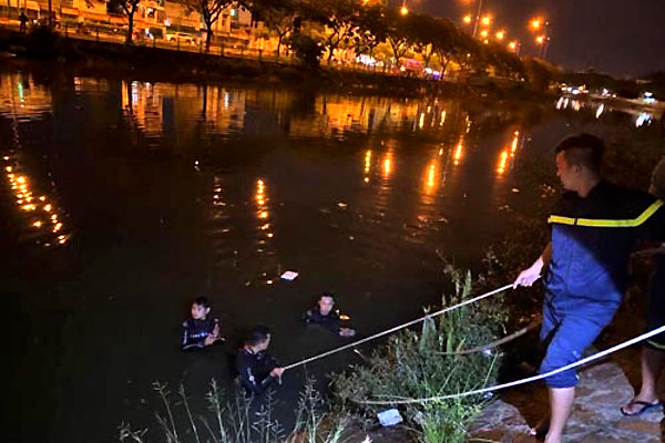 Hai cô gái nhảy cầu tự tử sau cuộc cãi vã, một người tử vong