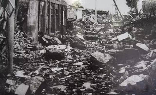 Hình ảnh Đường Sơn tan hoang sau trận động đất lịch sử