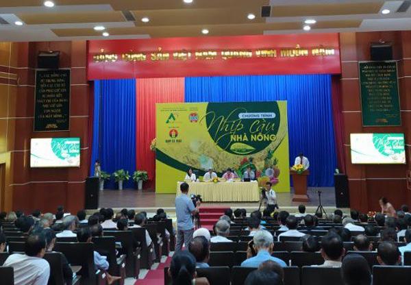 """Chương trình """"Nhịp cầu nhà nông"""" năm 2020: Kiến thức bổ ích cho nhà nông"""