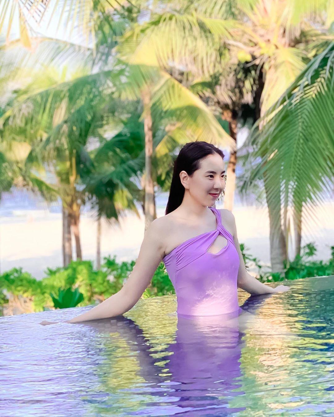 Sao Việt 14/7: Mai Ngọc, Lương Thùy Linh vui vẻ trong kỳ nghỉ hè