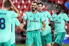 Thắng nhọc Granada, Real chạm một tay vào ngôi vô địch