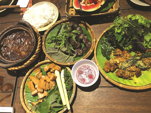 Ầu Ơ Kitchen,a special dinner date,countryside dishes,bamboo chicken,longan,lotus seed