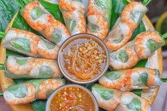Fresh Vietnamese spring rolls honoured by foreign media outlets