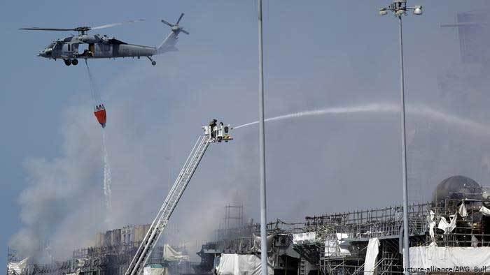 Lửa cháy dữ dội ngày thứ hai liên tiếp trên tàu chiến Mỹ
