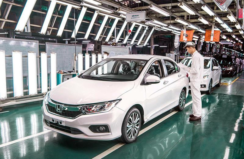 Car manufacturers resume assembling of some models in Vietnam