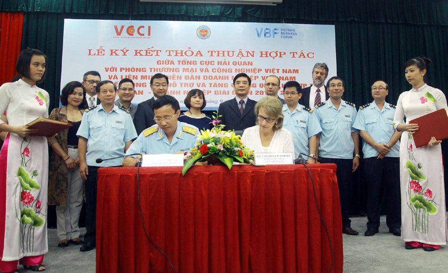 Gặp gỡ trong ánh nến giữa Bộ trưởng Nguyễn Cơ Thạch và Đại sứ Mỹ