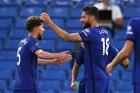 """Đánh bại Norwich, Chelsea cho MU """"ngửi khói"""""""