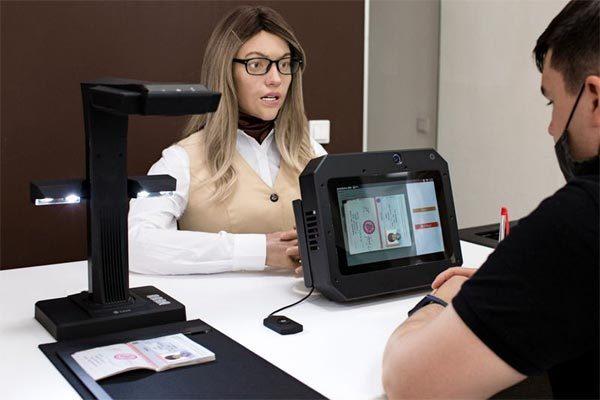 Nga dùng nữ thư ký robot chống tham nhũng