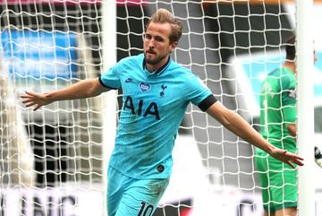 """Harry Kane rực sáng, Tottenham bắn hạ """"chích chòe"""""""