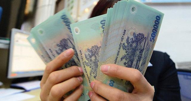 Tiền lương năm 2021 có giảm theo mức thắt chặt ngân sách?