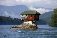 10 ngôi nhà có kiến trúc kỳ lạ nhất thế giới, khó tin nhất là căn nhà thứ 3 với thiết kế quá dị