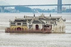 Chùa Quan Âm 700 tuổi đứng vững giữa lũ lớn ở Trung Quốc
