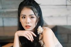 Giọng ca triệu view Hương Ly: 'Vợ chồng tôi từng phải xin bố mẹ từ cái nồi'