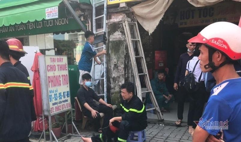Giải cứu sáu người mắc kẹt trong căn nhà năm tầng cho sinh viên thuê