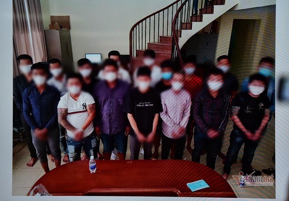 Truy nã kẻ cầm đầu và bốn đồng phạm vụ 200 giang hồ áo cam