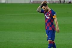 Messi lật tung Barca sau niềm đau nhìn Real Madrid ẵm cúp