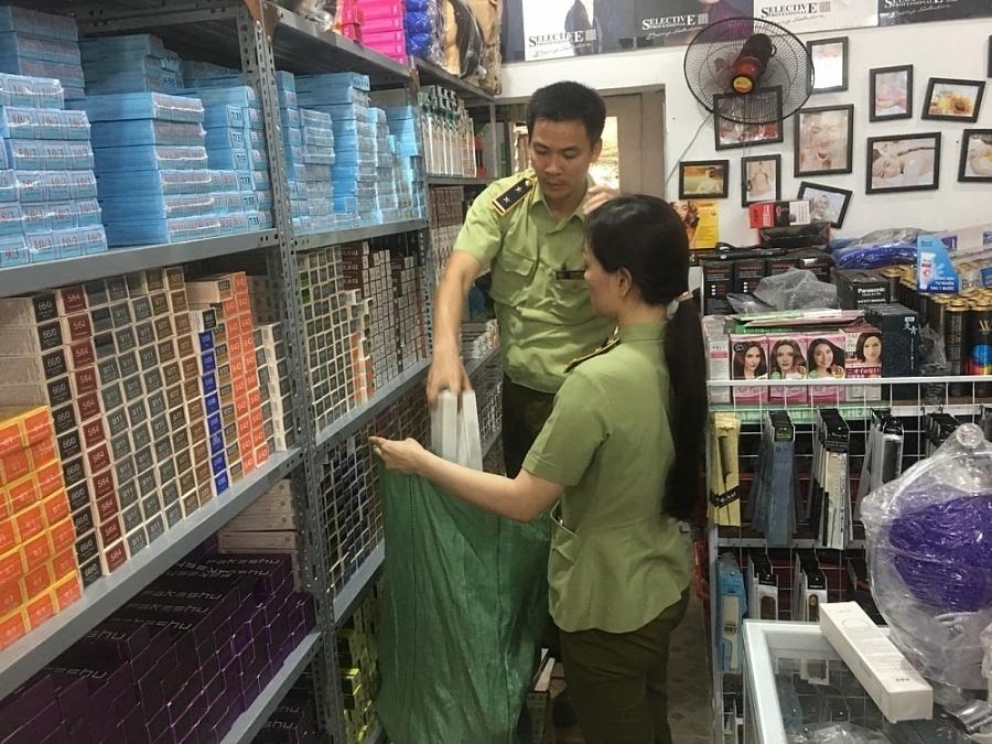 """Quảng Ninh: Kiểm tra 4 'điểm nóng"""", phát hiện gần 3.700 hàng giả, nhập lậu"""